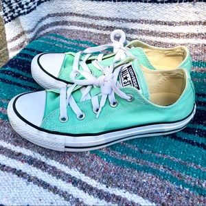 Converse All Star > Womens Mint Green Lo Top > 6